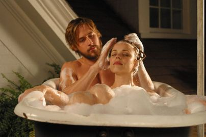 c2a3c2a3c2a3-ryan-gosling-stars-as-noah-calhoun-and-rachel-mcadams-as-allie-hamilton-in-the-nick-cassavetes-directed-romantic-drama-the-notebook